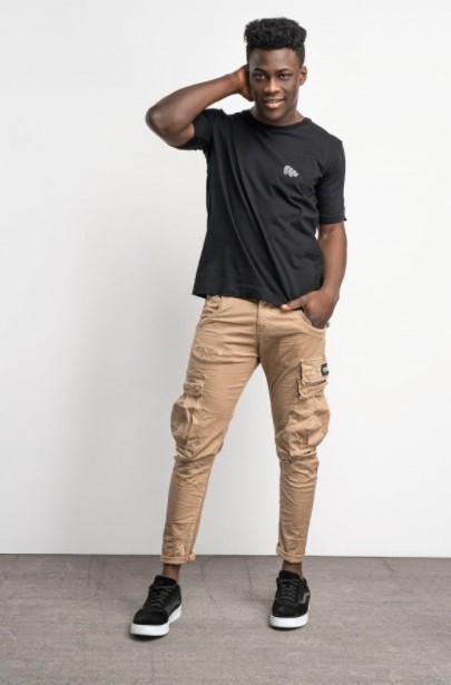 μπεζ παντελόνι μαύρη μπλούζα Cosi jeans άνοιξη- καλοκαίρι 2021