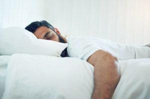 άντρας κοιμάται τονώσεις το μεταβολισμό