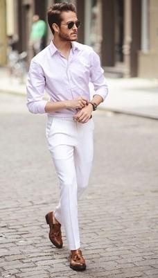 λευκο παντελονι και ροζ πουκαμισο