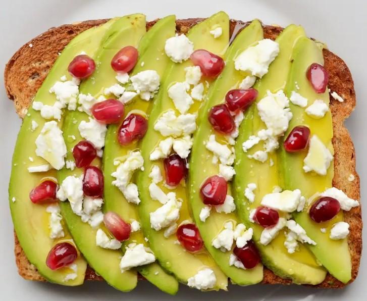 ψωμί με αβοκάντο