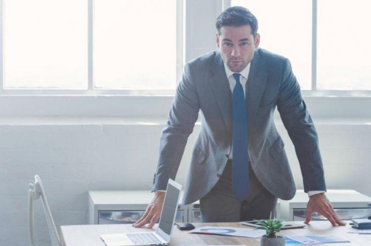 άντρας κοστούμι γραφείο