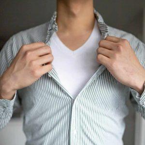 φανέλα πουκάμισο